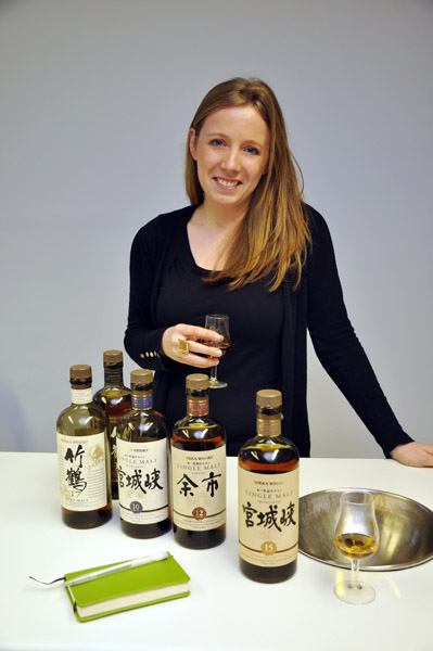 Olivia Plunkett of Eau de Vie guiding me through the Nikka Whisky range © Colin Hampden-White