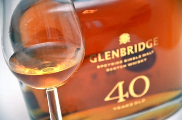 Tasting the Glenbridge 40 year old from Aldi ©Colin Hampden-White